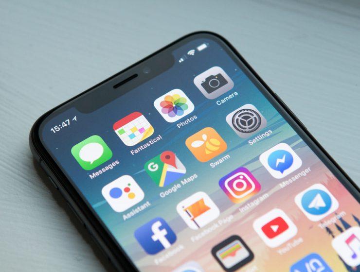 E' guerra tra Cina e Stati Uniti, vietata vendita di alcuni iPhone - MasterX