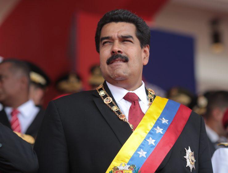 Venezuela, Maduro giura da presidente, i militari presidiano Caracas - MasterX