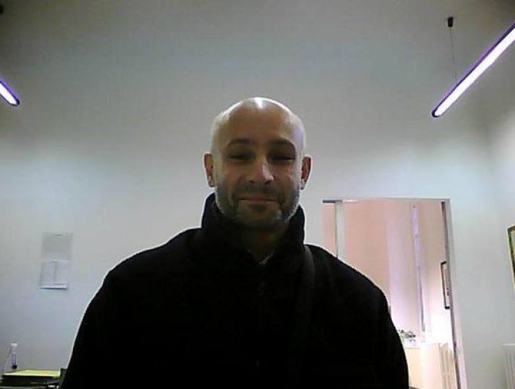 Milano, fiocco nero sui taxi per ricordare il collega ucciso-MasterX