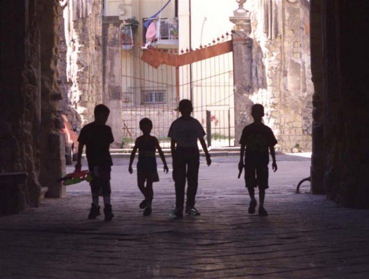 Napoli: bambini usati come corrieri per la coca, 12 arresti - MasterX