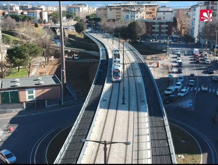 Nuova tramvia a Firenze. Prime due settimane gratis.