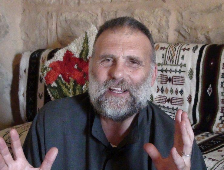 Padre Dall'Oglio potrebbe essere vivo, ma arriva la smentita delle Forze siriane - Master X