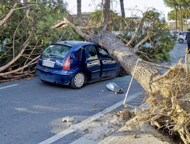 La furia del maltempo flagella il centro e il sud Italia: danni e vittime