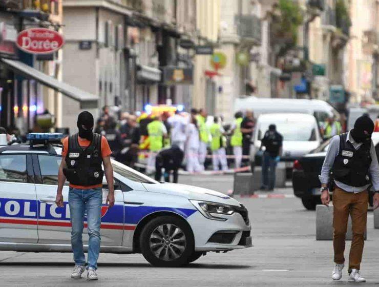 Bomba Lione arrestato sospetto di 24 anni