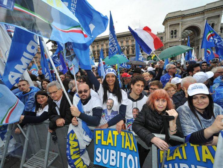 A Milano la manifestazione sovranista di Salvini e la protesta