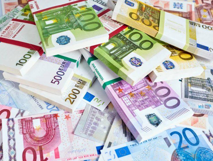 Unione Europea, 10mila miliardi di euro fermi nelle banche - MasterX