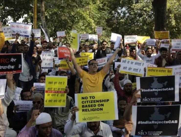 India, scontri dopo l'approvazione della legge sulla cittadinanza