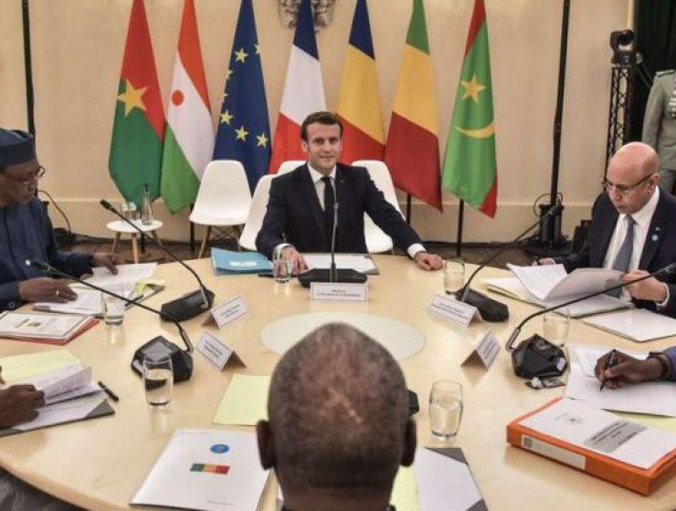 Macron convoca il G5 per sconfiggere i terroristi in Sahel